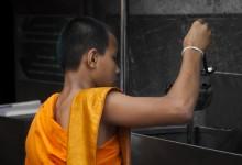 Thaise monnik in tempel