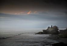 De avond valt over Bali